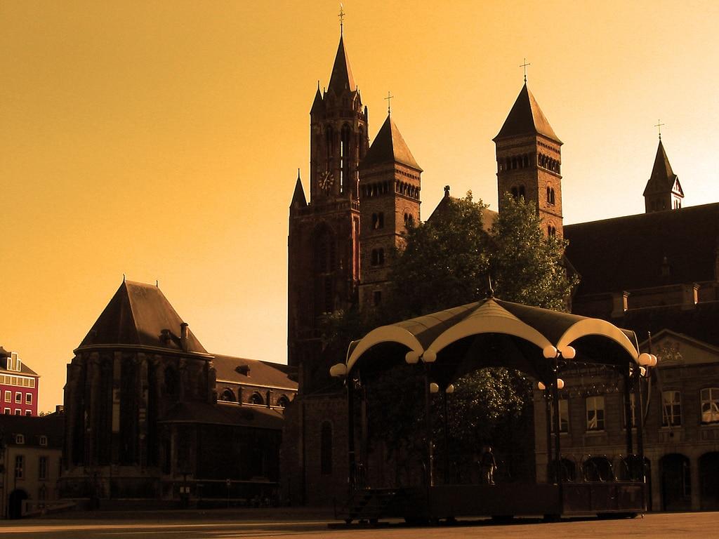 Maastricht - vrijthof sunset