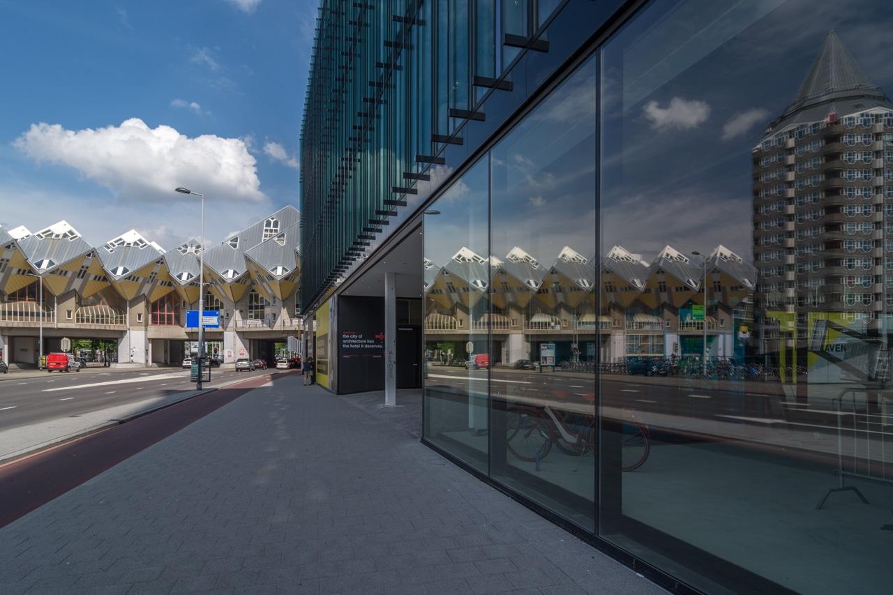 Роттердам - Кубические дома с отражением Роттердам Роттердам (Rotterdam), Нидерланды Rotterdam Cube Houses with reflection