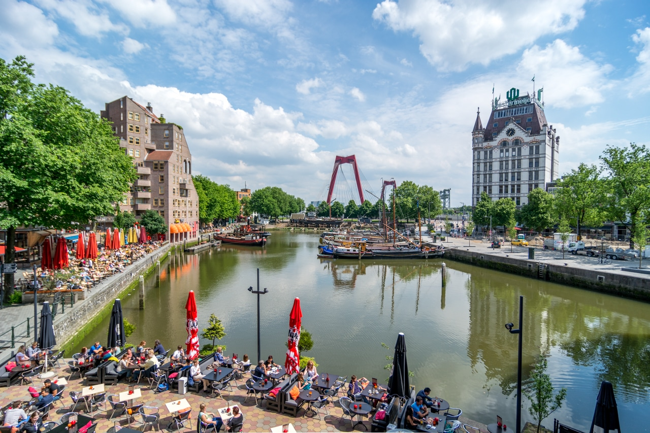 Rotterdam - Terrraces at the canal