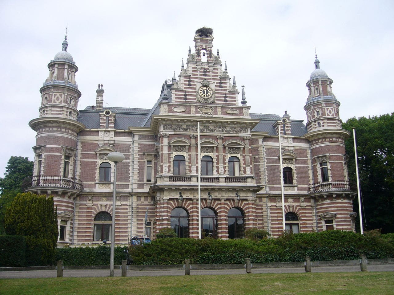 Wassenaar travel and city guide netherlands tourism for Interieur nederland
