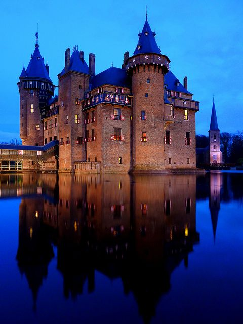 Castle de Haar - by night
