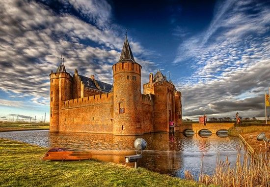 The 8 most impressive castles in the netherlands netherlands tourism muiderslot casle wide2 sciox Image collections